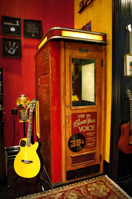 recordbooth01